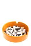 Asbakje en sigaretten Royalty-vrije Stock Foto