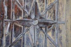 Detail van een oude houten deur stock fotografie