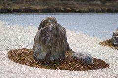 Detail van een rotstuin bij de tempel Ryoan -ryoan-ji in Kyoto, Japan Royalty-vrije Stock Foto