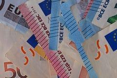 Detail van een stapel van wettelijke euro rekeningen stock fotografie