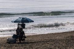Detail van een strand van de Spaanse kust stock fotografie