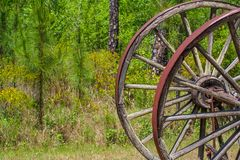 Detail van een wiel van de logboekkar in het Okefenokee-park Stock Fotografie