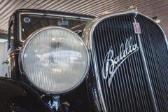 Detail van Fiat-periodeauto in Militalia in Milaan, Italië Stock Afbeelding