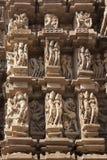 Detail van gravure op een tempel in Khajuraho, Madhya Pradesh, Indi Royalty-vrije Stock Foto