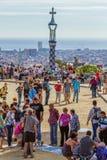 Detail van het kleurrijke mozaïekwerk van Park Guell Barcelona van Spanje Stock Foto