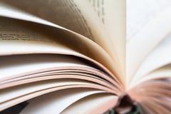 Detail van het Omkeren van Boekpagina's Stock Foto's