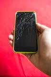 Detail van het verbrijzeld smartphonescherm Stock Afbeeldingen