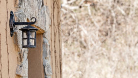 Detail van lantaarn rustiek huis Royalty-vrije Stock Afbeeldingen
