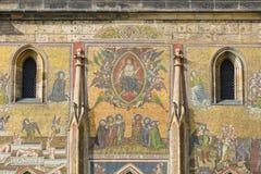 Detail van mozaïek op de voorgevel van de Kathedraal van Heiligen Vitus Stock Foto's