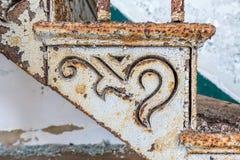 Detail van oude gietijzertrap en stap Stock Afbeelding