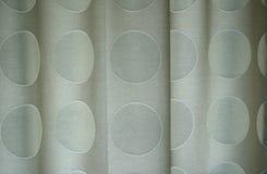 Detail van polka gestippelde gordijnen Stock Foto's