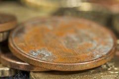 Detail van roest in een koper-behandeld vijf cent euro muntstuk Stock Foto's