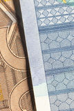 Detail van twee bankbiljetten van 20 en 50 euro Stock Foto's