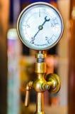 Detail van uitstekende metingsapparaat en klep met aardige bokeh Royalty-vrije Stock Afbeelding