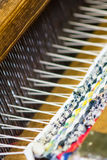 Detail van wevend weefgetouw stock afbeelding