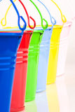 Detail van zes gekleurde emmers royalty-vrije stock foto's