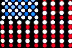 Detail von den unscharfen geführten Lichtern, die eine helle glühende amerikanische Flagge bilden stock abbildung