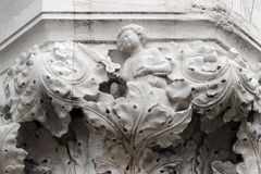 Detail von einer Hauptstadt des herzoglichen Palastes in Venedig Lizenzfreie Stockfotografie