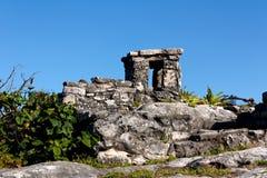 Detail von Mayaruinen bei Tulum lizenzfreie stockfotografie