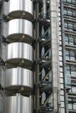 Detail von Rohren und von Rohren von einem Gebäude Stockfotografie