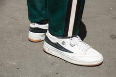 Detail von Schuhen Milan Men-` s an der Mode-Woche Stockbilder