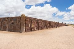 Detail of the wall in Tiwanaco ruins in Bolivia near La paz stock photography