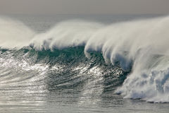 Detailed breaking wave Royalty Free Stock Photos