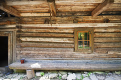 Detailed old style chalet time-honored rough wood wall Stock Photography
