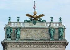 Detailfoto van bovenkant van Hofburg-paleis in Wenen, Oostenrijk Stock Foto's