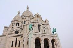 Detaill της βασιλικής της ιερής καρδιάς του Παρισιού μια συννεφιάζω ημέρα Στοκ Εικόνες