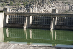 Detaill de barrage de porte de Taintor Barrage Zamora Espagne de rivière d'Esla Image stock