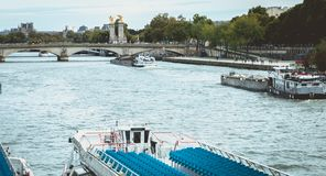 Detailmening over Vliegboten bij de rand van de Zegen in Parijs royalty-vrije stock foto