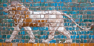 Details of the Babylonian Ischtar Tor. Glazed panel with white roaring lion - detail of the Babylonian Ischtar Tor (Ishtar Gate) in the Istanbul Archaeology stock image