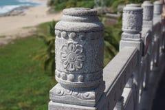 Details der Architektur auf dem Zaun in China stockfotos