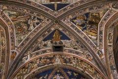 Details der battistero Di San Giovanni, Siena, Italien Stockfotos