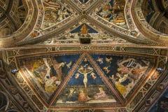 Details der battistero Di San Giovanni, Siena, Italien Lizenzfreie Stockbilder
