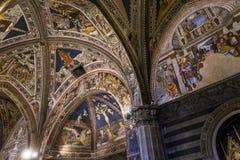 Details der battistero Di San Giovanni, Siena, Italien Stockbild