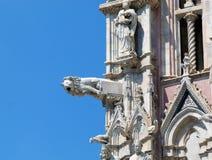 Details der Haubenfassade in Siena Stockbild