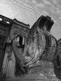 DETAILS DER KLOSTER-ARCHITEKTUR AUF MYANMAR/BIRMA Stockbild