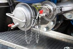 Details der neuen Abwasser-LKW-Ausrüstung, Industrieventile Stockbild