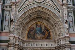 Details des Äußeren der Cattedrale-Di Santa Maria del Fiore Cathedral von Heiliger Maria der Blume Stockfotos