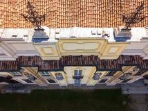 Details des Arconati-Landhauses, der Statuenfenster und der Balkone Landhaus Arconati, Castellazzo, Bollate, Mailand, Italien Sch Lizenzfreie Stockfotos