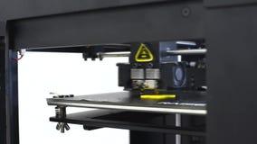 Details des Drucken 3d Drucker 3d für den Druck von mehrfarbigen Spielwaren stock footage