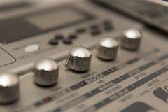 Details des Gitarren-Musik-Fahrtenschreibers mit Chrome-Griffen Lizenzfreies Stockbild