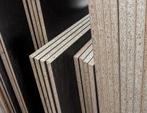 Details des Spanplatte gefalteten Stapels Stockfoto
