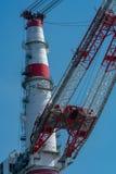 Details eines dockside Kranes am industriellen Hafen in Rostock lizenzfreie stockfotos