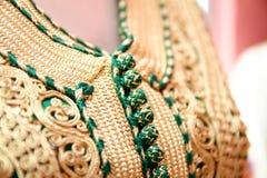 Details eines grünen marokkanischen Kaftans Lizenzfreie Stockbilder