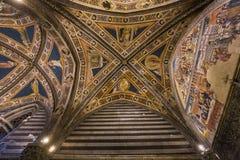 Details van battistero Di San Giovanni, Siena, Italië Stock Foto's
