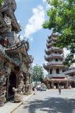 Details van beeldende kunsten bij Boeddhistische tempel Stock Fotografie