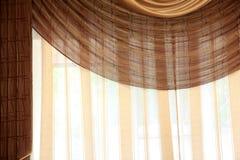 Details van bruin gordijn royalty-vrije stock afbeeldingen